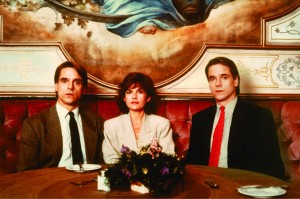 still-of-jeremy-irons-and-geneviève-bujold-in-dead-ringers-(1988)-large-picture