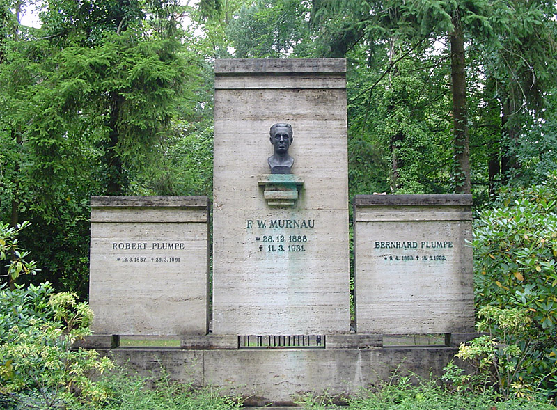 Murnau-grave800